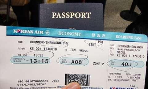 Phí đổi vé máy bay quốc tế khứ hồi mất bao nhiêu tiền?