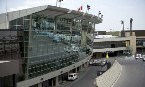 Vé máy bay từ TPHCM đi Canada giá rẻ