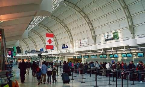 Sân bay ở Canada