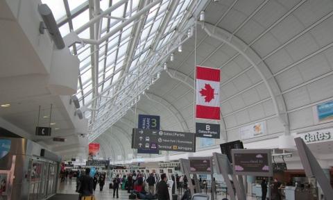 Kinh nghiệm đi máy bay qua Canada