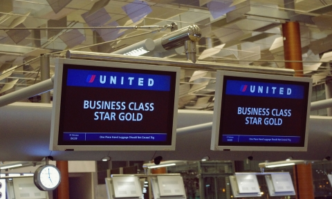 Vé máy bay đi Toronto 2019 United Airline