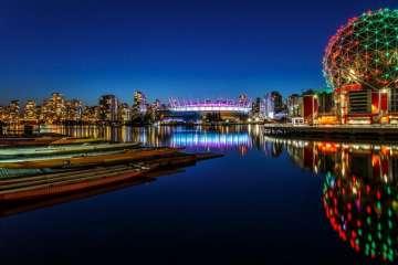 Vé máy bay đi Canada giá rẻ hãng Eva Air tại TPHCM