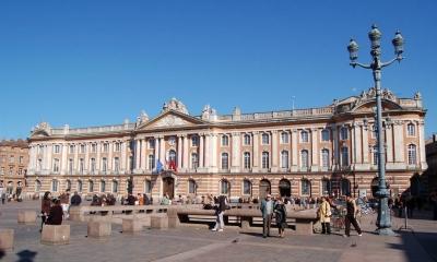 Vé máy bay EVA Air giá rẻ đi Toulouse – Pháp