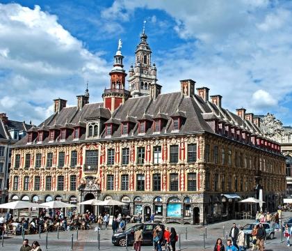 Vé máy bay EVA Air giá rẻ đi Lille – Pháp