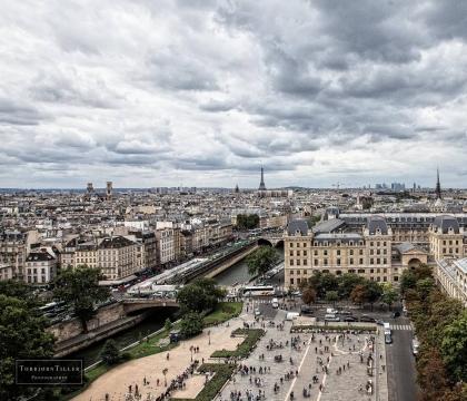 Vé máy bay EVA Air giá rẻ đi Pháp