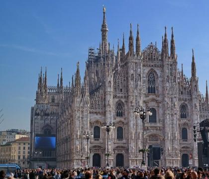 Vé máy bay EVA Air giá rẻ đi Milano – Ý
