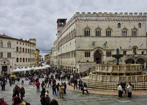 Vé máy bay EVA Air giá rẻ đi Perugia – Ý