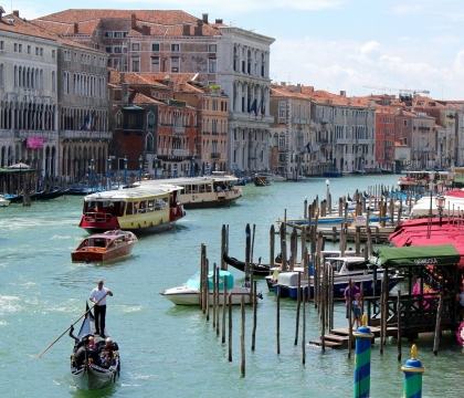 Vé máy bay EVA Air giá rẻ đi Venice – Ý