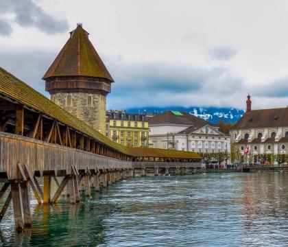 Vé máy bay giá rẻ đi Lucerne hãng EVA Air