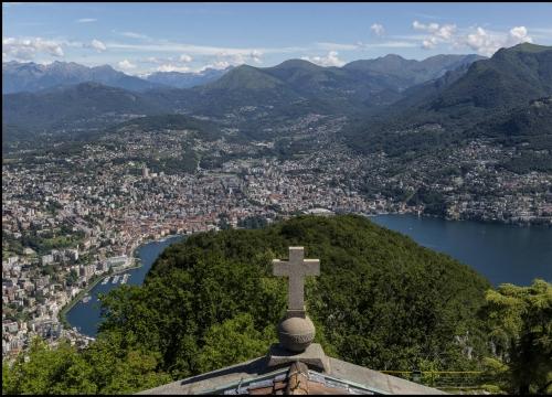 Vé máy bay giá rẻ đi Lugano hãng EVA Air