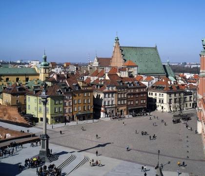 Vé máy bay giá rẻ đi Warszawa hãng EVA Air