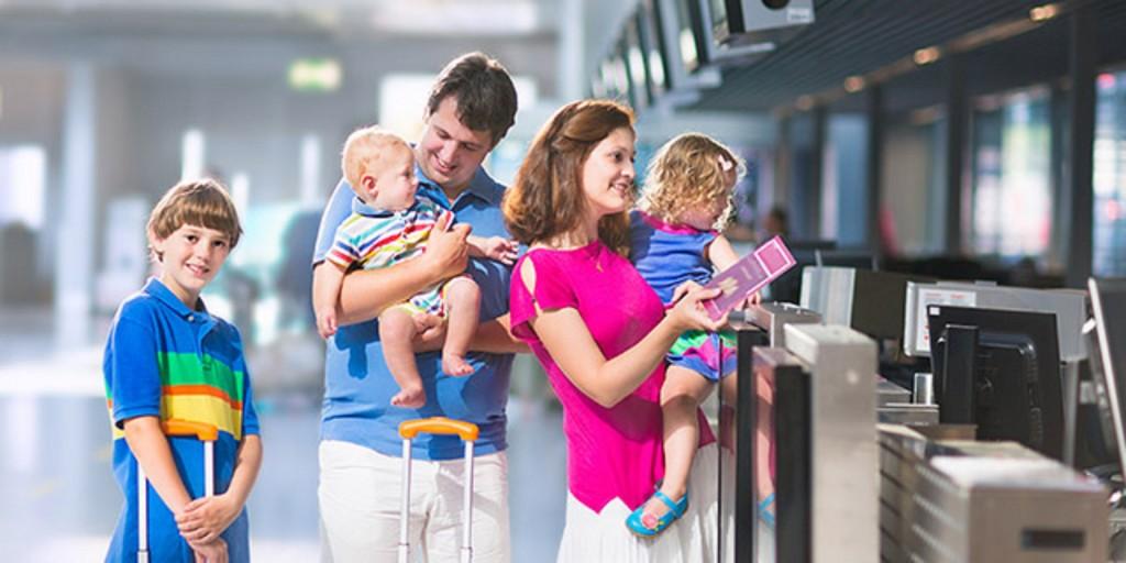 Trẻ em bao nhiêu tuổi phải mua vé máy bay