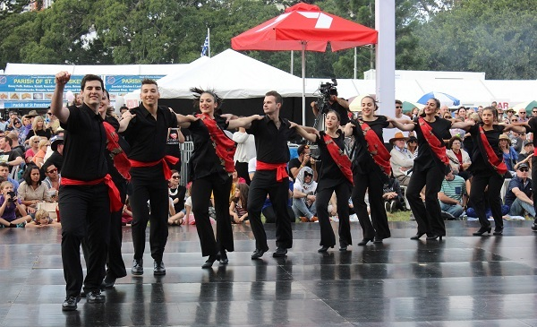 le-hoi-greek-paniyiri-festival